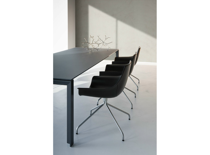 Extending rectangular Fenix-NTM® table APTA | Fenix-NTM® table - Lapalma