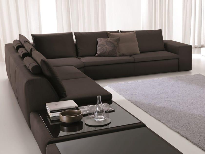 Divano in tessuto bryan divano angolare bontempi for Offerte divani angolari in tessuto