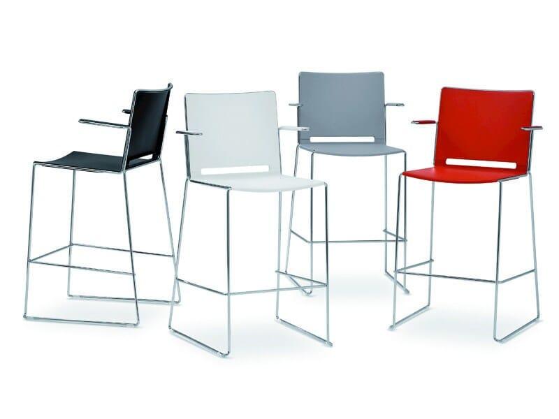 Polypropylene counter stool with armrests FILÒ PLASTIC | Chair with armrests - Diemmebi