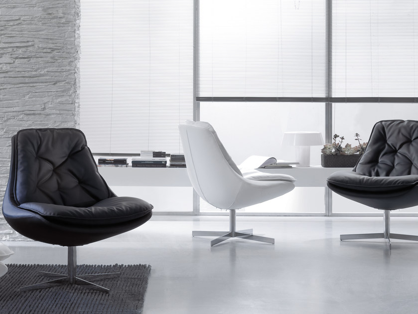Upholstered leather armchair DAYA | Armchair with 4-spoke base - Bontempi Casa