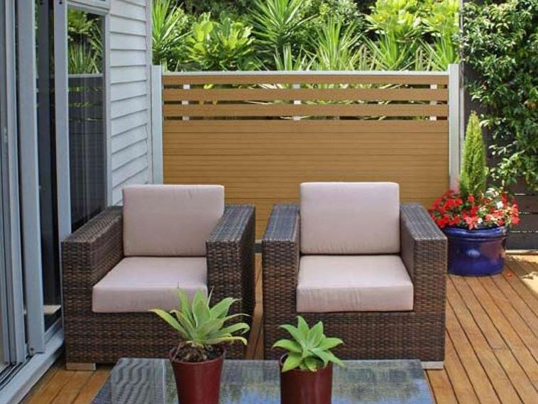 Recinzione paravista in wpc ecolegno recinzione in legno - Recinzione piscina legno ...