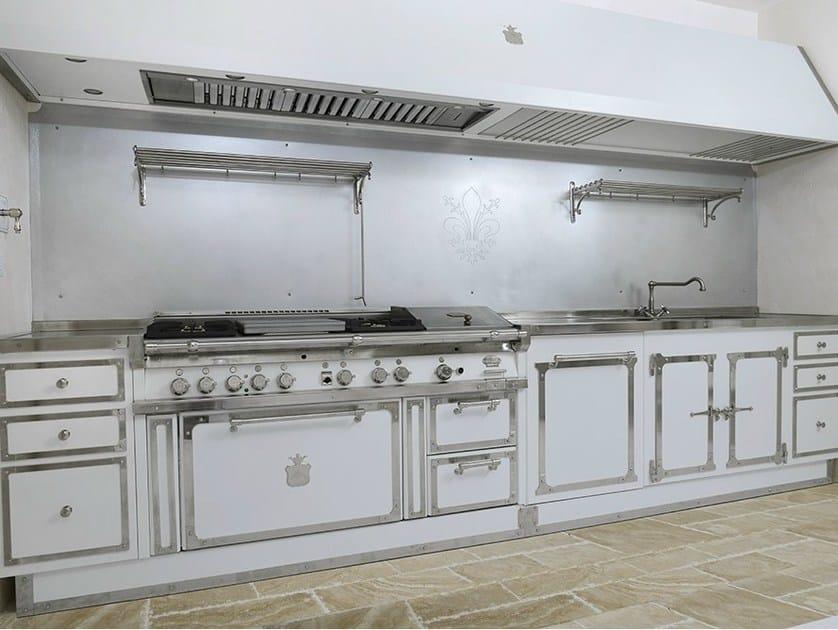 Cucina lineare su misura SATURNIA PALACE - Officine Gullo