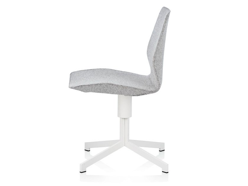 Fabric chair with 4-spoke base PILOT LOW - Johanson Design