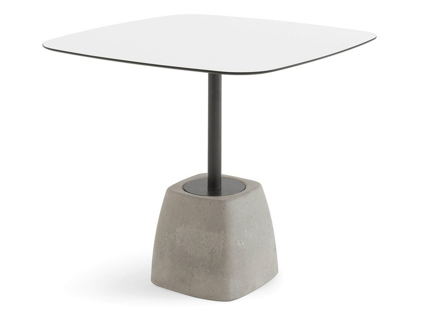 Square table URBAN-TB by DOMITALIA