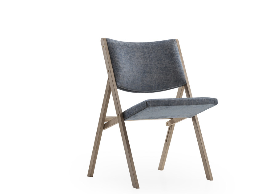 Upholstered fabric chair D.270.1 | Upholstered chair - MOLTENI & C.