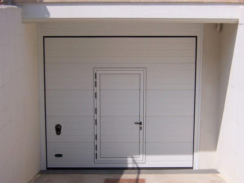 Portone sezionale coibentato ars rl42 portone da garage for Piani porta garage gratuiti