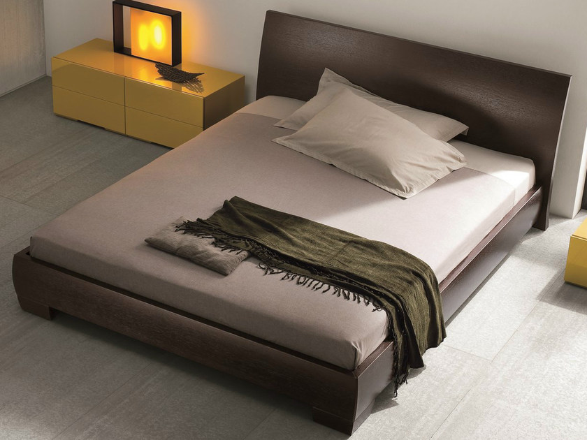 Walnut double bed VICTOR | Walnut bed by Dall'Agnese
