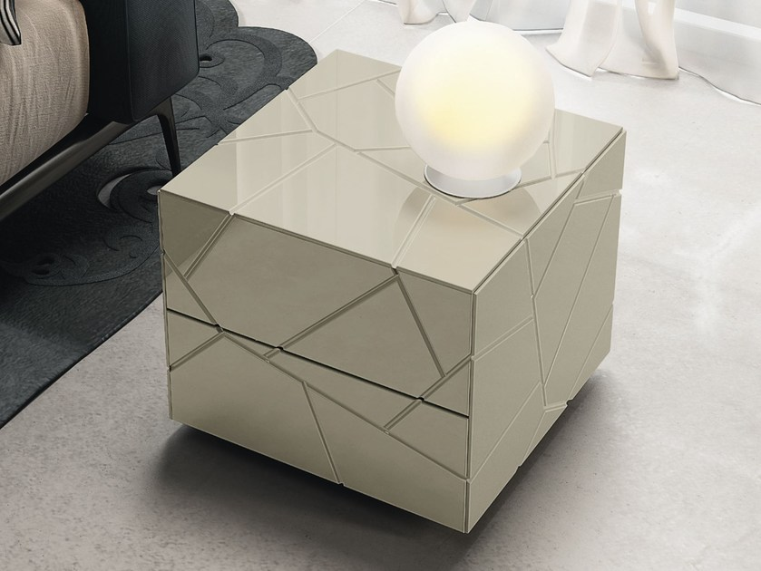 Lacquered square bedside table with drawers SEGNO | Bedside table - RIFLESSI