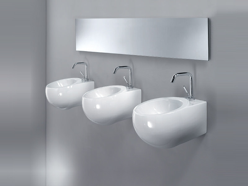 Wall-mounted handrinse basin SPHERE by A. e T. Italia