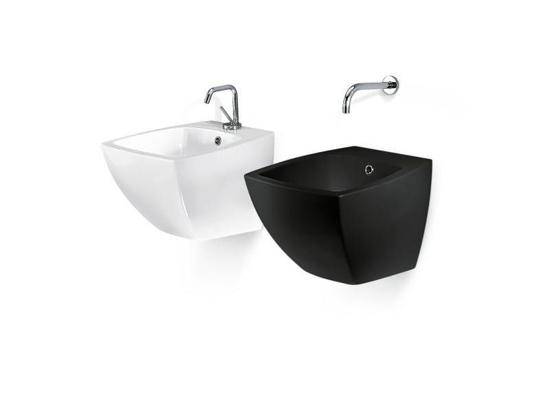 Design wall-mounted washbasin SQUARE COMPACT - A. e T. Italia