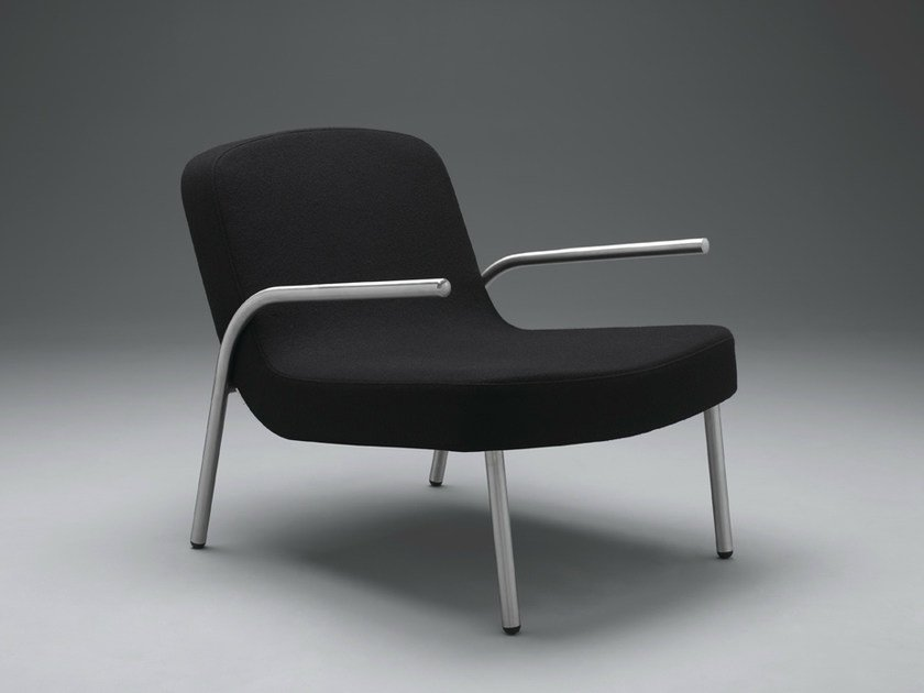 Upholstered fabric easy chair with armrests PLOON | Easy chair - mminterier