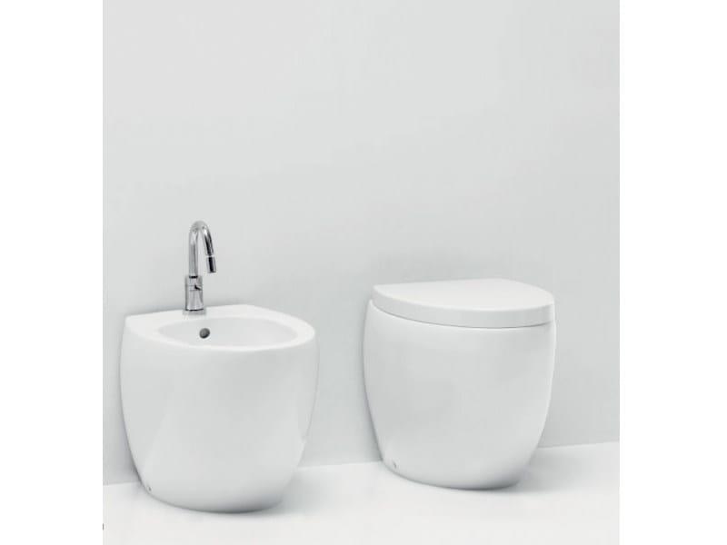 Arredo bagno completo in ceramica OVAL By A. e T. Italia