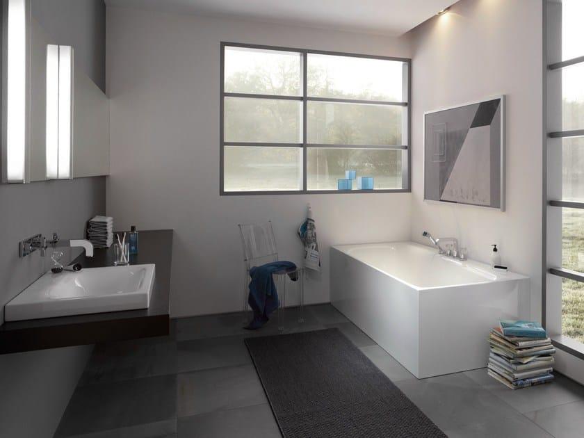 Enamelled steel bathtub BETTELUX IV SILHOUETTE SIDE - Bette