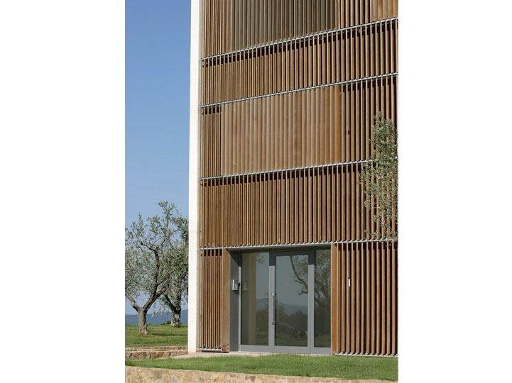 Wooden Sunscreening system for facade Wooden Sunscreening system for facade - STUDIO 66