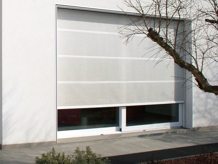 Roller blind with guide system Awning - STUDIO 66