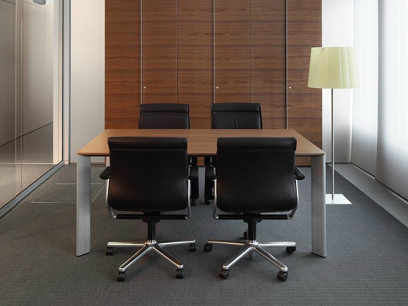 Wooden meeting table VERSO | Square meeting table - RENZ