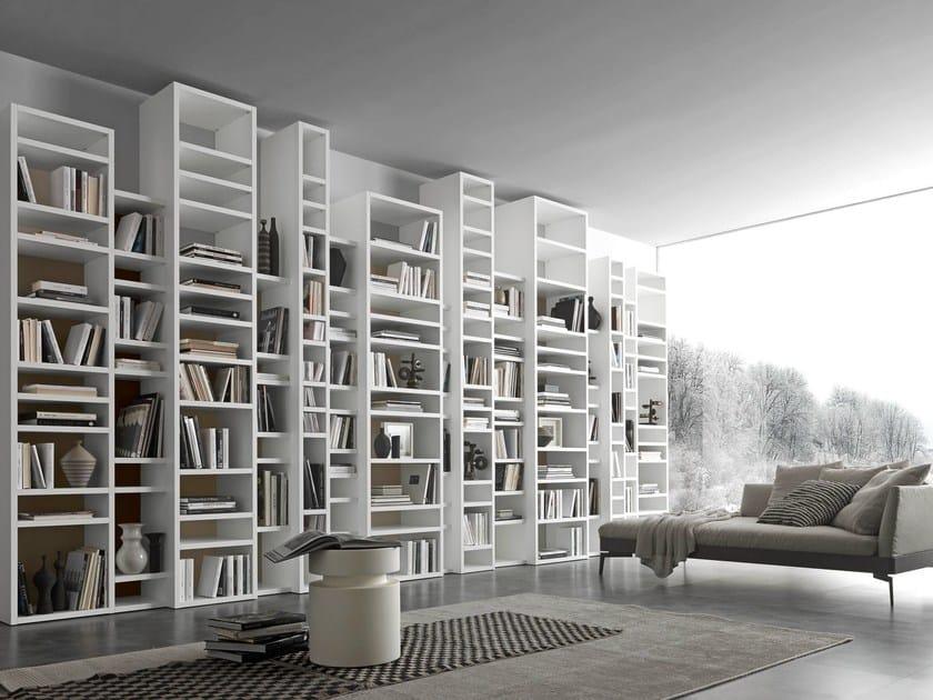 Libreria a giorno a parete componibile pari dispari comp for Libreria mobili design