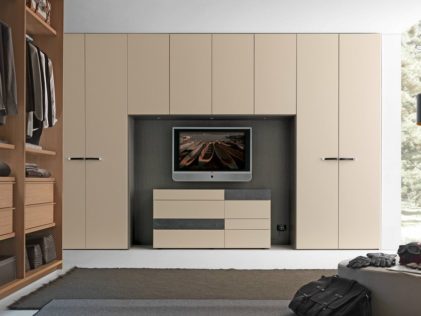 Tecnopolis anta liscia by presotto industrie mobili design for Bedroom designs with tv and wardrobe
