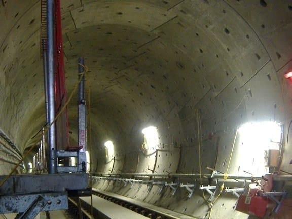 Steel reinforcing fibres DRAMIX® for tunnel works - Leon Bekaert