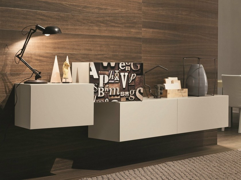InclinArt base and wall units in matt beige seta lacquer, S016 magnetic cover.