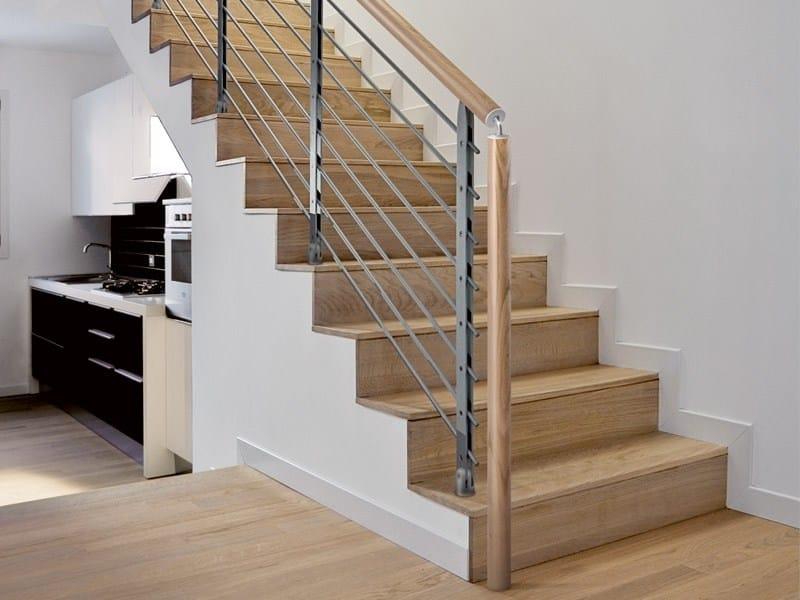 Parapetto in acciaio e legno per scale minimal rintal - Scale in cemento per interni ...