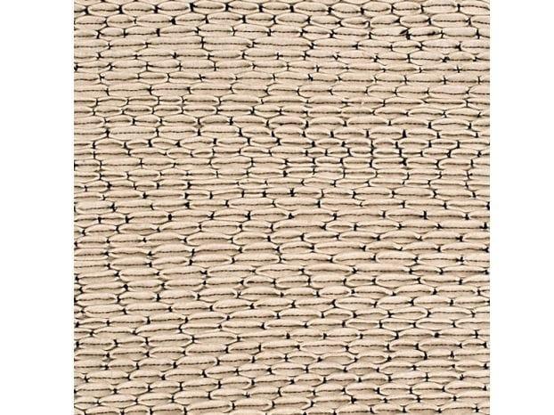 Handmade felt rug ORNAMENTO by COLLI CASA