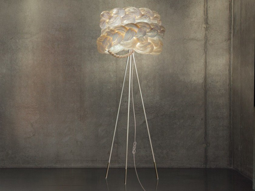 Handmade paper floor lamp THE BRIDE MEDIUM | Floor lamp by Mammalampa
