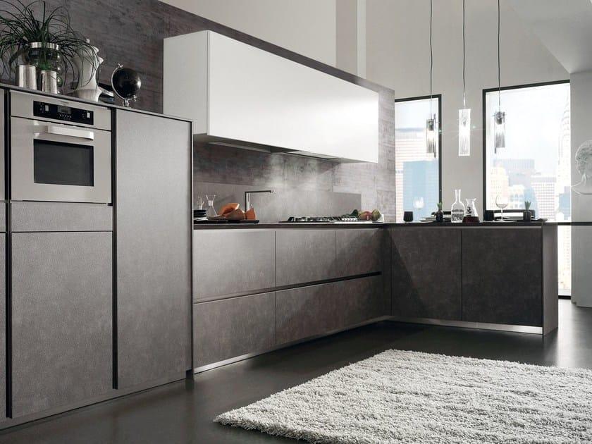 Fitted kitchen CRETA CORNER by Del Tongo