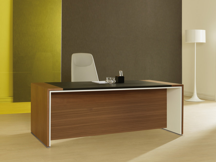 Rectangular wooden executive desk LOOP | Executive desk - ESTEL GROUP