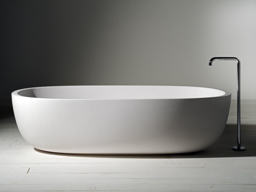 Vasca da bagno ovale in Cristalplant® ICELAND  Vasca da bagno - Boffi