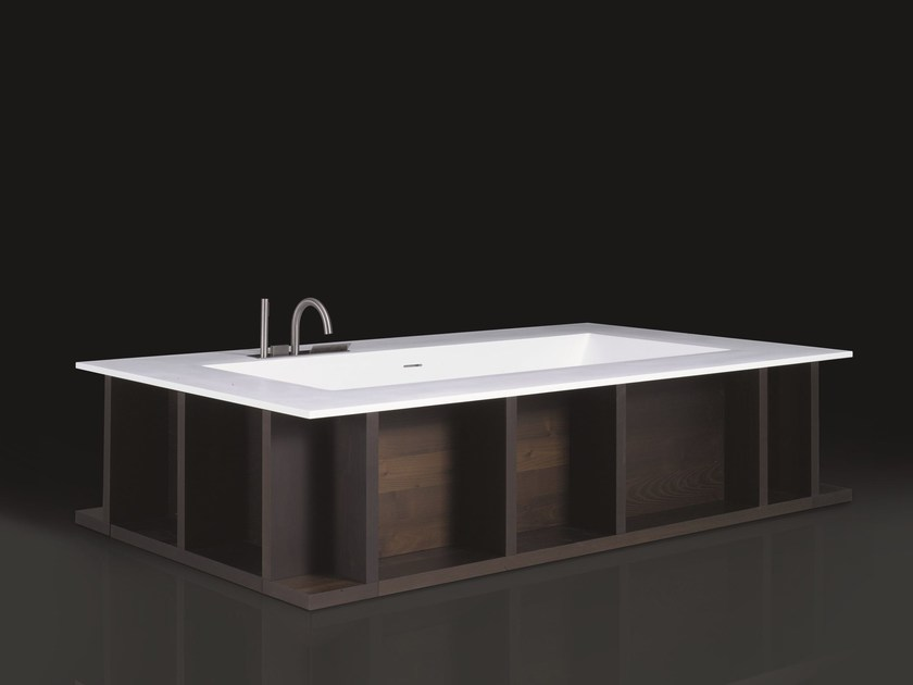 Freestanding Cristalplant® bathtub SWIM-C by Boffi