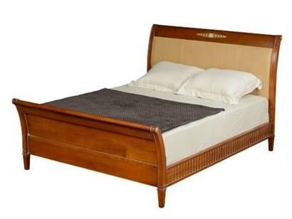 lit en bois avec t te haute haussmann lit double collection haussmann by grange. Black Bedroom Furniture Sets. Home Design Ideas