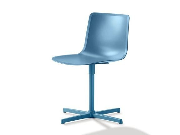 Plastic chair with 4-spoke base PATO | Chair with 4-spoke base - FREDERICIA FURNITURE