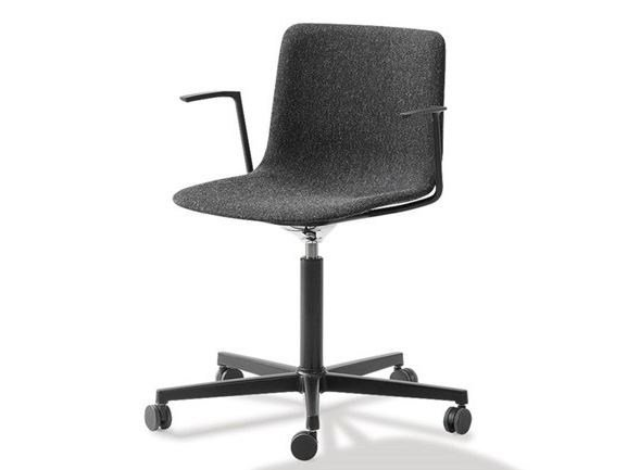 Task chair with 5-Spoke base with armrests PATO OFFICE by FREDERICIA FURNITURE