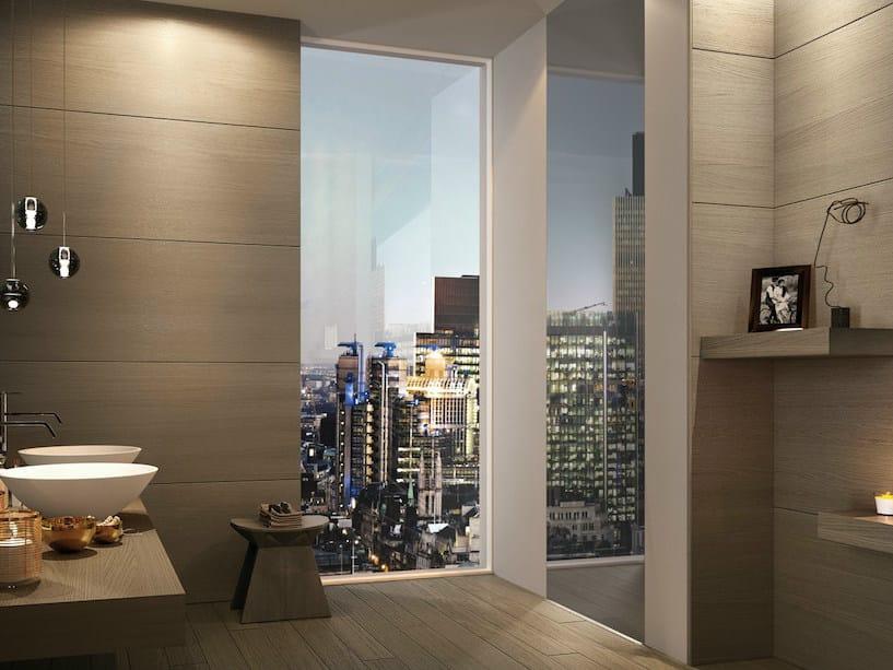 Porta a battente a filo muro in vetro a specchio bisystem - Porte a specchio per interni ...