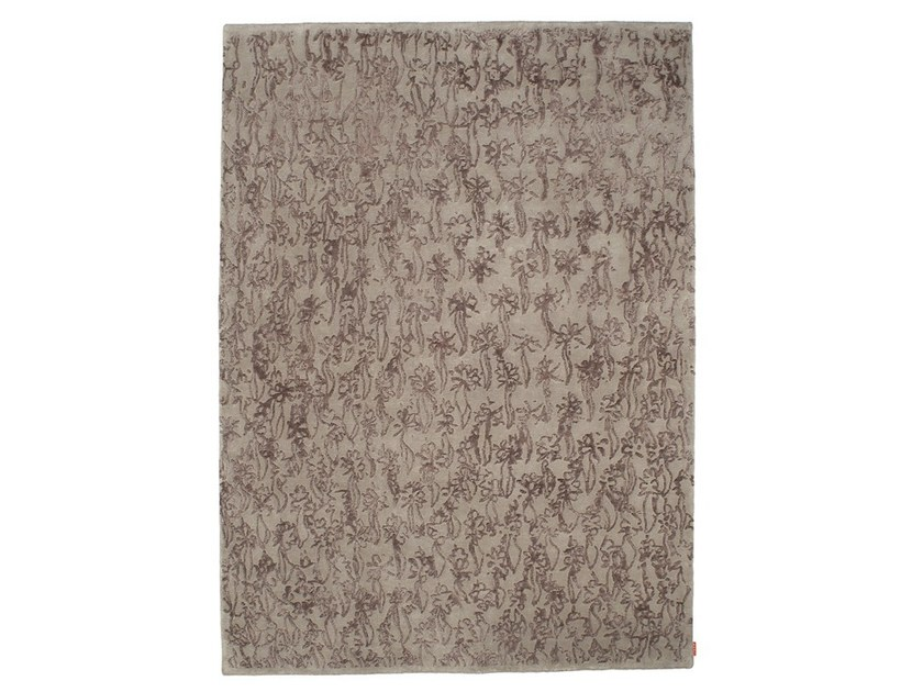 Handmade wool rug FLEURS by Warli