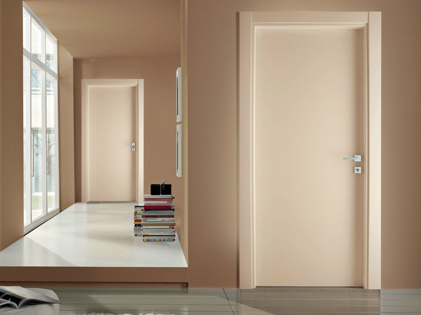 Hinged lacquered laminate door XONDA | Lacquered door - GIDEA