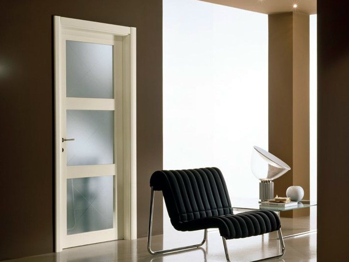 Hinged satin glass door GENIA | Satin glass door - GIDEA