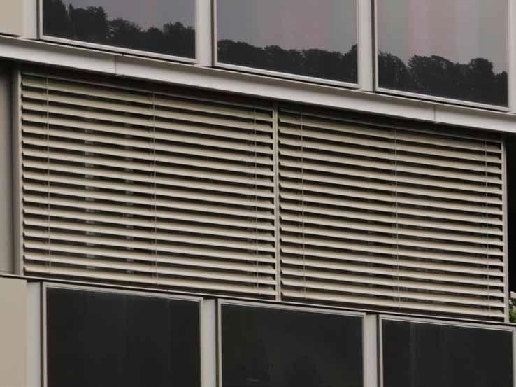 Store v nitien motoris en aluminium lamisol by griesser for Store lamelle exterieur