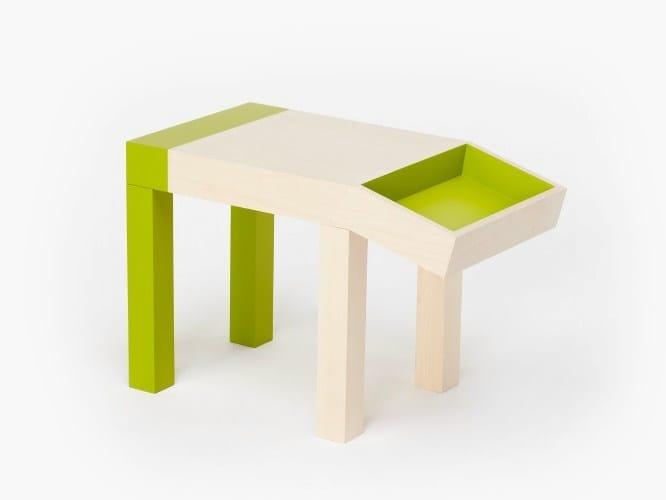 Kindertisch holz  Kindertisch aus Holz ANIMAL By DARK AT NIGHT Design Quentin de Coster