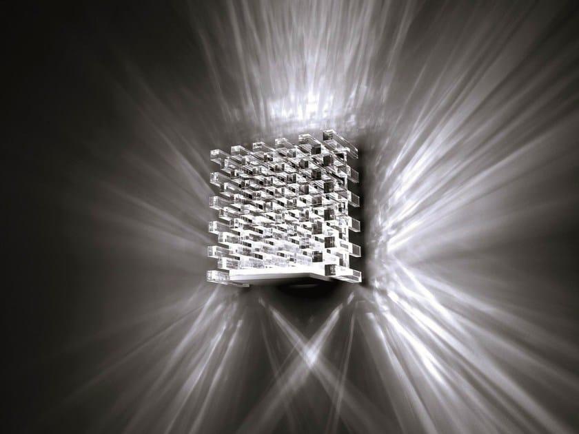 Lampada da parete a led naica trasparente by cini nils for Illuminazione a led per interni