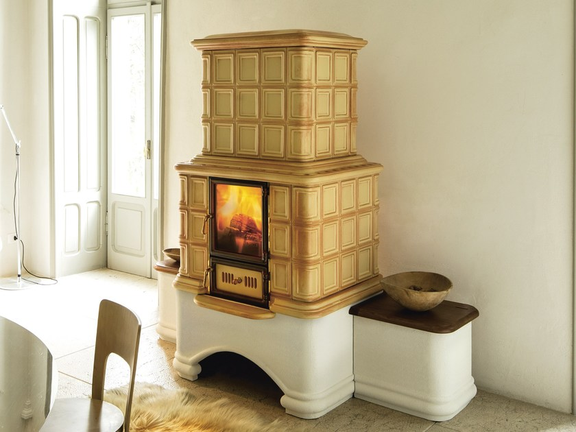 Wood-burning ceramic stove with Thermal Accumulation ELIZABETH L/A by Sergio Leoni