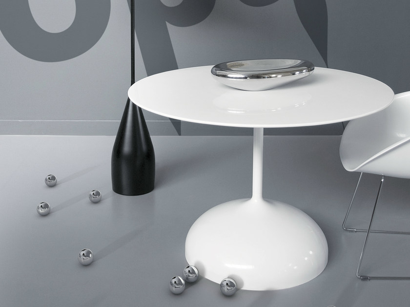 Round polyester table SISTER NO | Round table by Marzais Créations