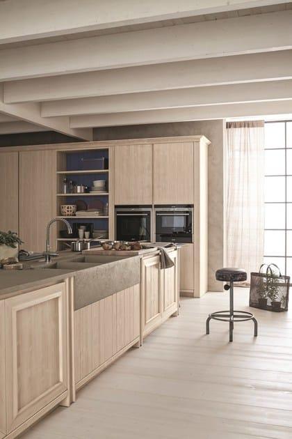 Cucina con isola in abete bianco perla maestrale 01 for Scandola mobili