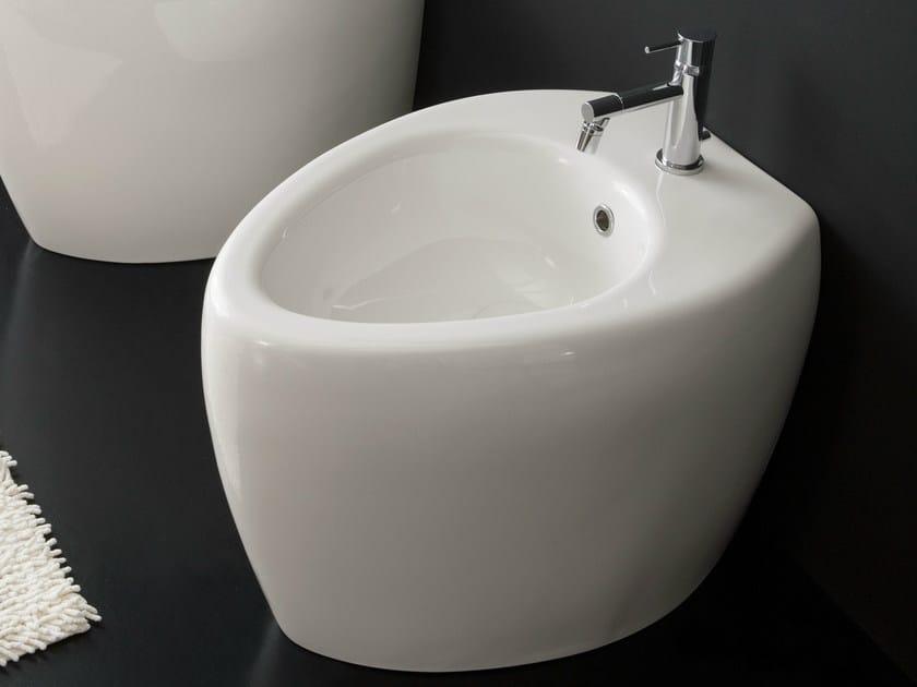 Ceramic bidet MOAI | Bidet by Scarabeo Ceramiche