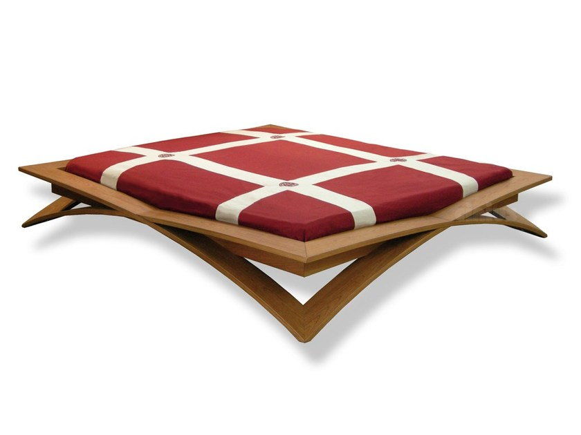 Wooden double bed LOTO by Cinius