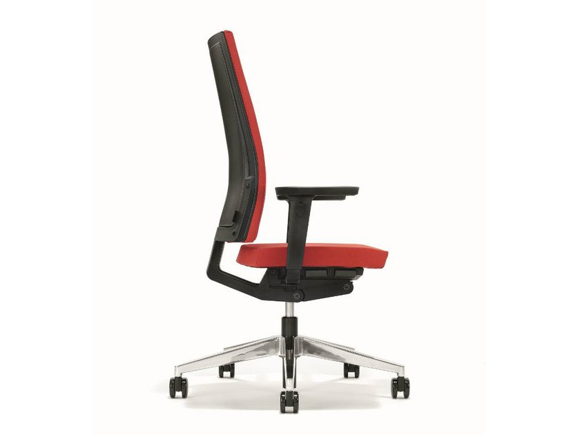 Swivel executive chair with armrests B_RUN | Executive chair with armrests - BENE
