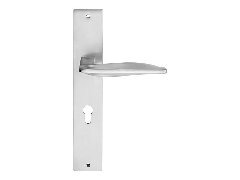 Contemporary style brass door handle on back plate AQUA | Door handle on back plate - LINEA CALI'
