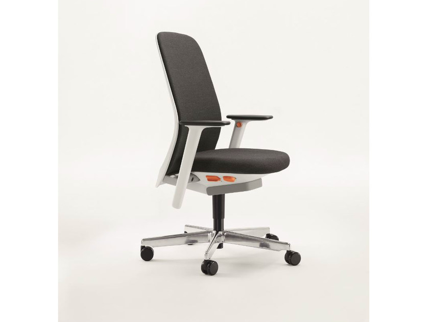 Swivel fabric task chair RIYA | Task chair by BENE