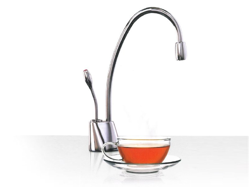 Brushed steel kitchen tap GN1100 - InSinkErator
